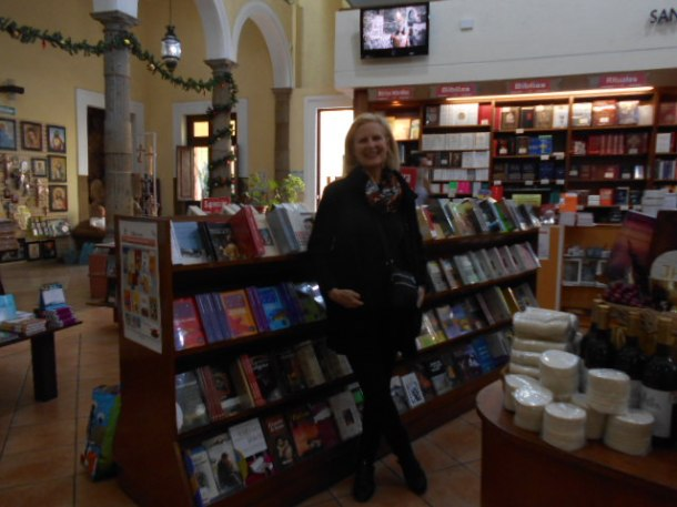 Paulist Bookstore, Guadalajara, Mexico