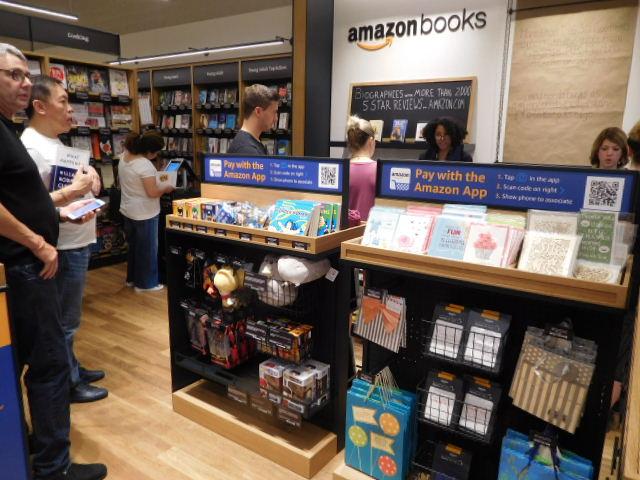 Check-out line Amazon Books, Century City